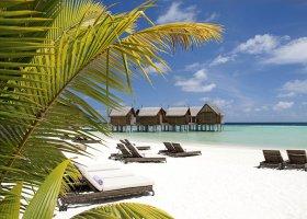 maledivy-hotel-constance-moofushi-resort-075.jpg