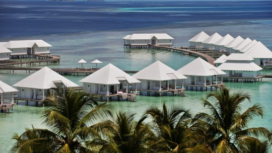DELUXEA - Diamonds Athuruga Maldives *****